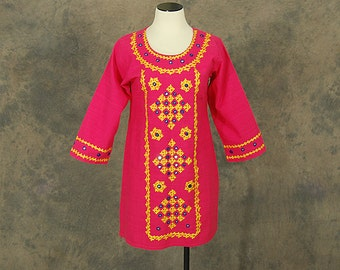 CLEARANCE SALE vintage 70s India Tunic Mini Dress - Ethnic Hot Pink Embroidered Mirrored Dress 1970s Boho Hippie Dress Sz M