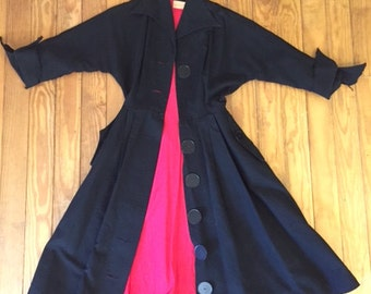 Grand 1950s Vintage Long Coat Black Red Lining Perfect for Fall!