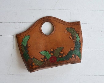 25% OFF.... Oak Nut tote | 1960s tooled leather bag | painted tooled leather purse