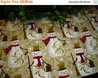 ON SALE Christmas Table Runner Snowman Snowflakes Padded