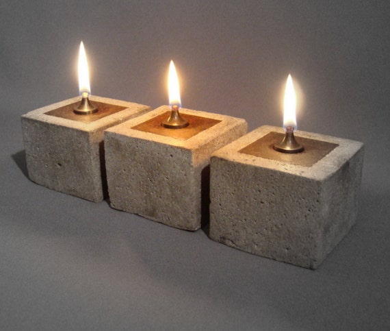RUSTIC OIL LAMP - Cowboy Zen Style Lantern - Oil Candle in Concrete and Iron