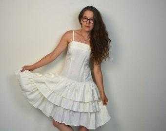 80s WHITE Party Dress Mini 1980s Ruffled Dress Vintage 1980s Tiered Sundress Wedding Dress Hipster Ruffle Miniskirt Dress Womens Small
