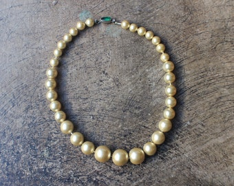 Faux Pearl Choker / Vintage Necklace / Costume Jewelry Necklace