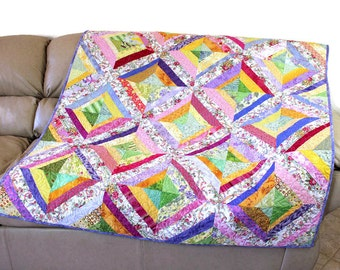 Spring Quilted Throw in Pink Lavender Green and Yellow, Scrappy Patchwork String Quilt, Gift for Her, Spring Easter Quilt Decor