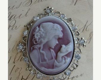 ONSALE Victorian Cameo Brooch/Pendant  N051