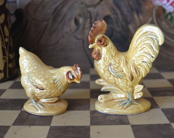 Vintage Rooster Hen Salt & Pepper Shakers Tan Brown Country Kitchen