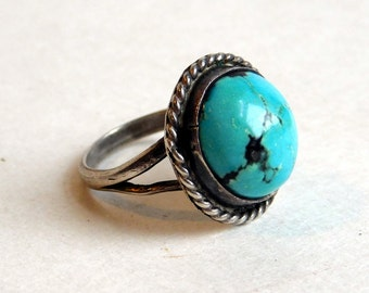 Vintage Navajo Sterling Silver Large and Vivid Turquoise Ring - Native American Silver - Southwestern Sterling - Size 7.75 - Almost Round