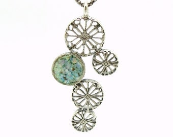 Silver pendant necklace with flower shapes and roman glass