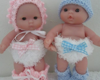 Knitting Patterns and Clothes for Dolls by WeGirls by WeGirls