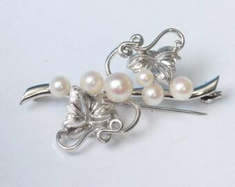 Cultured Pearl Brooch Silver Leaves and Vines Vintage
