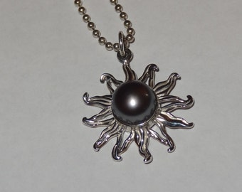 Vintage Sterling Silver and Black Pearl Sun Pendant Chain Necklace