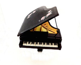 Vintage Music Box, Baby Grand Piano, Piano Music Box, Music Room Decor, Musical Piano, Musical Instrument, Piano Music, Pianist Gift