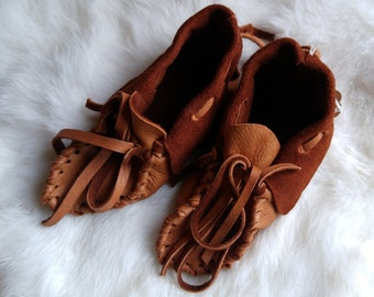 Buckskin Baby Moccasins ---- Pre-made leather Booties : 9-12 months