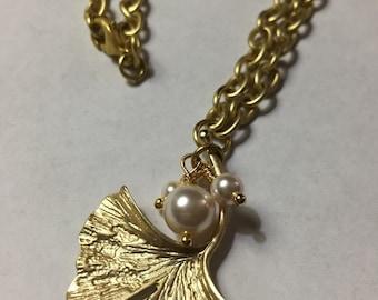 Pretty Gingko Necklace