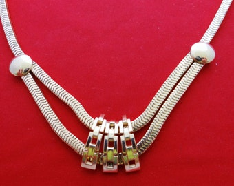"""Vintage gold tone 15.5"""" necklace with cool modernist design  in great condition"""