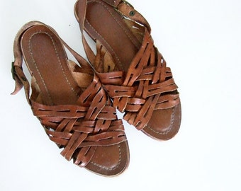 Vintage sz 6 Leather Sandals Tan Casual Cutout Strappy Slingback Flats Summer Sandals Brazil Huaraches