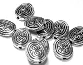 24 Flat oval beads antique silver textured spacers tibetan style nickel lead safe S4