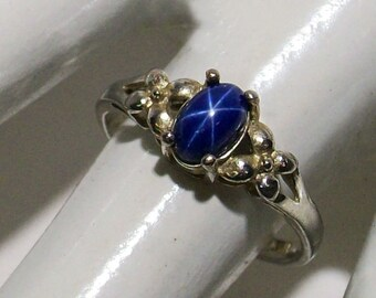 Stunning Star Sapphire in a vintage sterling silver ring Size 5.5 ~ mrfeld ~ FJS19