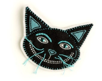 Black Cheshire Cat Patch, hand embroidered on felt, Halloween cat patch