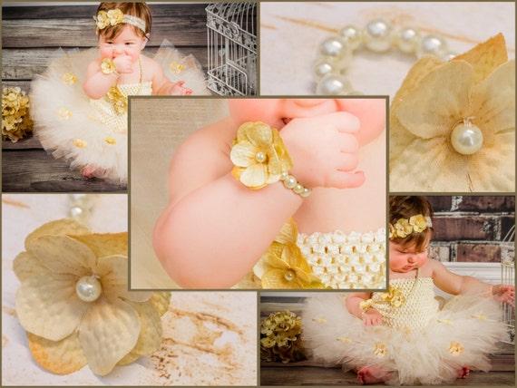 Newborn Baby Bracelet, Beaded Pearl Bracelet w flower, Baby Girl photo prop, baby shower gift, cream, white, ivory, First Birthday Outfit