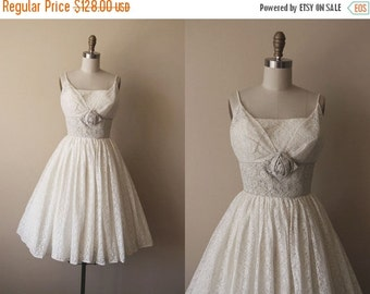 ON SALE 1950s Party Dress - Vintage 50s Dress -  Ivory Lace Full Skirt Bust Shelf Wedding Prom Dress XS - Moss and Birch Dress