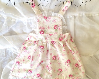 Lace and roses pinafore 18-24 months