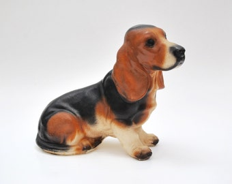 Vintage 1940s Basset hound dog chalkware figurine, large size, hunting dog, Basset hound collectible