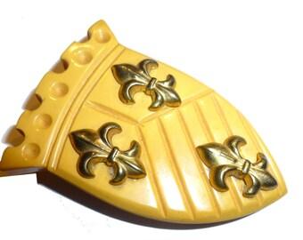 Bakelite Herald Shield. Vintage Bakelite Dress Clip Figural Shield with Brass Medallions. Fabulous Details. 1940s Heraldic Bakelite USA