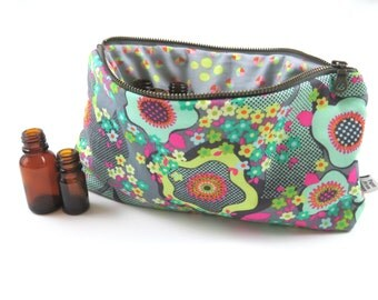 Classic Essential Oil Case - Glow - 14 bottles - cosmetic bag zipper pouch essential oil bag project