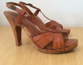 1970s Leather and Wood Heels Sz 9