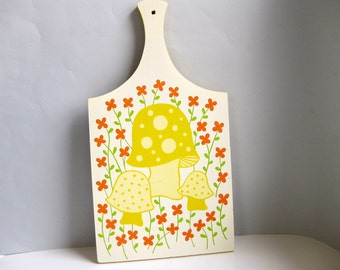 Vintage 1960s decorative cutting board Mod kitchen decor