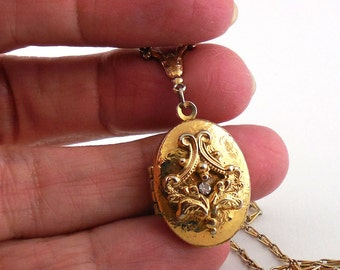 Vintage Embossed Locket Clear Stone