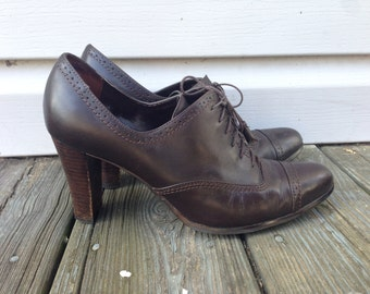 Womens Leather Oxford Heels - Size 8.5 - Brown leather shoes