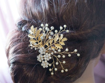 Bridal gold comb, Elegant comb, Gold leaf comb, Pearl comb, Wedding hair comb, Hair accessories, Ivory or white pearls, Statement hair comb