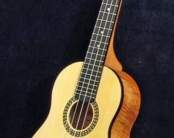 Tenor Ukulele - Curly Maple