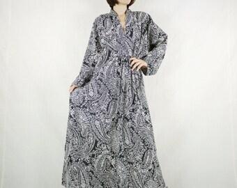 Long Sleeve Oversize V Neck Boho Chic Elegant Black Paisley Printed Light Cotton Maxi Dress Kaftan Women Sun Dress SM706- Fit size 10 To 20