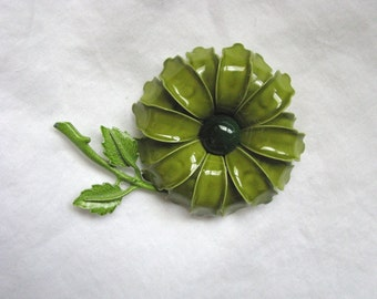Vintage dimensional green flower pin flower brooch