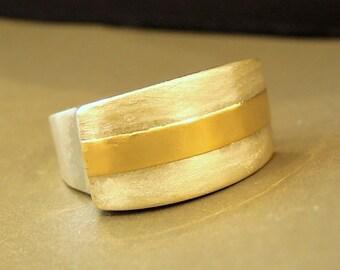 Unique silver ring hammered gold line large design