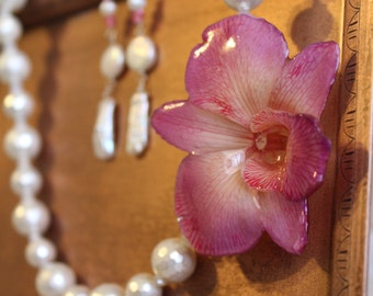 Orchid Necklace -  Flower Pendant Necklace - Pearl Necklace - Boho Chic Jewelry - Flower Lei Necklace - Tropical Wedding Necklace