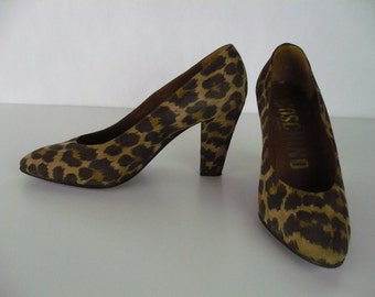 Vintage 1980s Moschino Pumps, Suede, Leopard Print, Made in Italy, Size 6, Brown, Beige, Tan