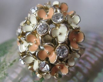 Vintage 60s 70s Rhinestones & Enamel Floral Cocktail Ring, Pink and White, Size 7 1/2