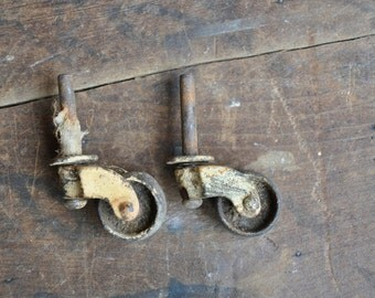 Antique Casters - Set of 2 - E2178