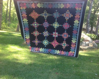 """Striking Amish style queen quilt 97"""" square"""