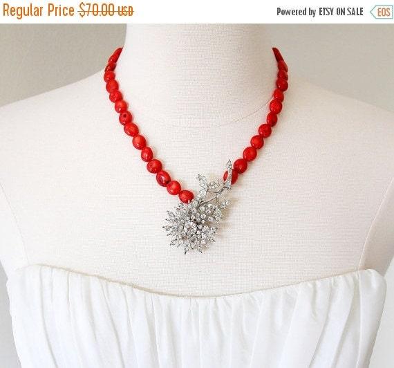 30% OFF SALE. Floral Coral. Vintage Art Deco Rhinestone Daisy Necklace.
