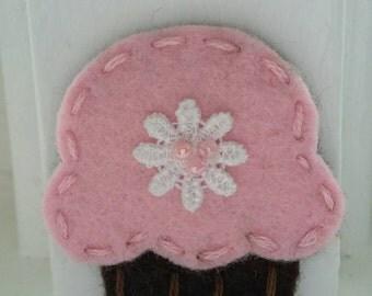 4 Handmade Felt Felties Cupcake Appliques-Pink Chocolate
