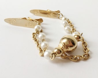 Vintage '80s Pearl + Gold Sweater Clip Chain - Jazzy Old Lady