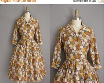 Anniversary SHOP SALE... vintage 50s dress / soft cotton floral print dress / 50s full skirt dress