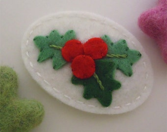 Felt hair clip -No slip -Wool felt -Holly leaves -ecru