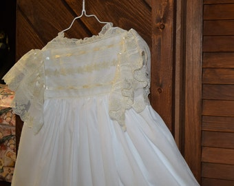 Heirloom dress size 6 beautiful lace white/ecru Communion Confirmation Pageant Portrait Wedding flower girl beach wedding