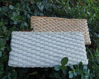 Vintage 60s Mod Woven Clutch / 1960s Basketweave Clutch Purse / Vinyl Plastic Wicker Rattan Clutch Bag
